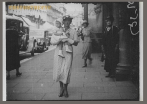 Walking Picture Bath 1936
